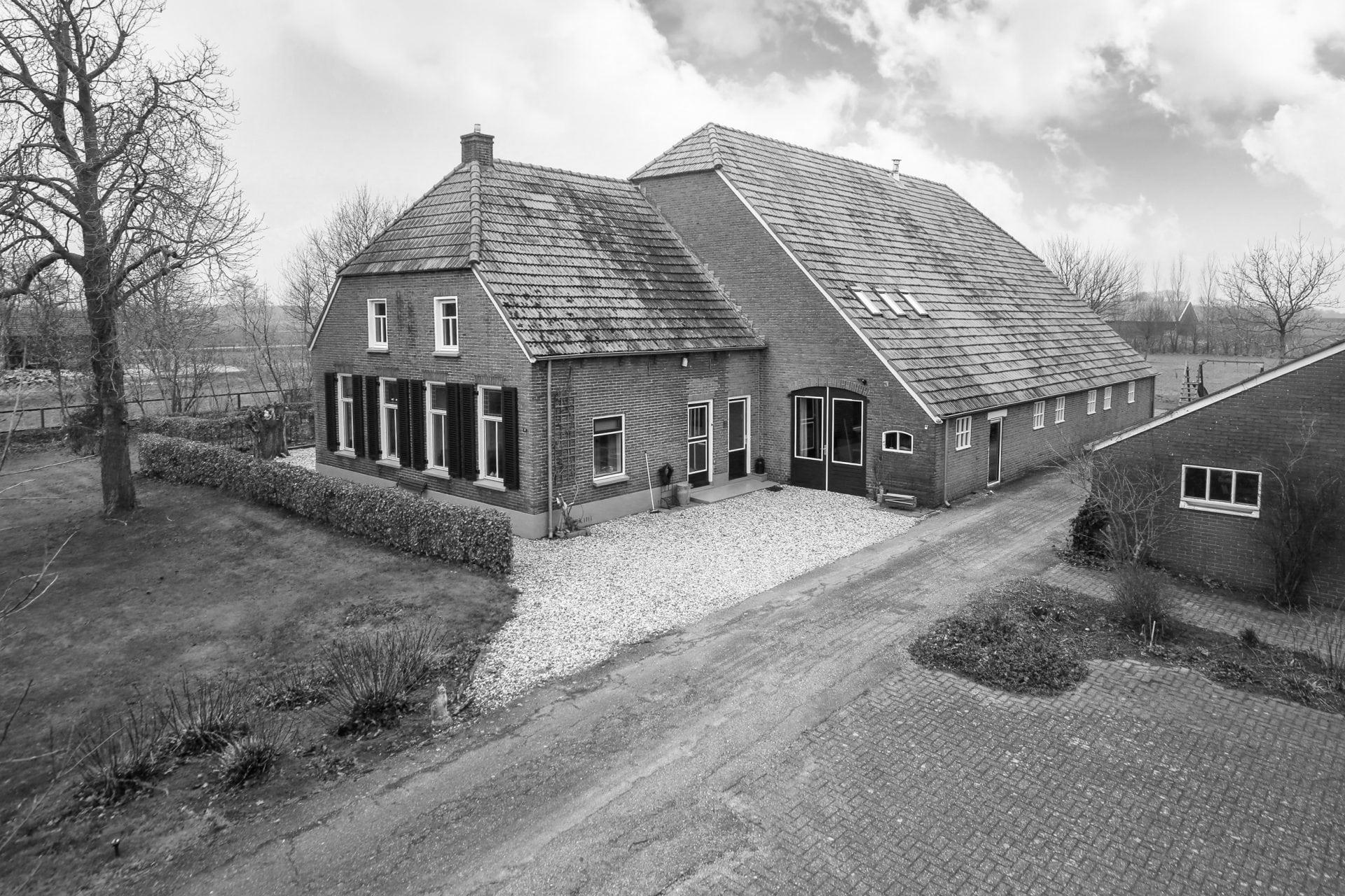 Het Betere Boerenerf. <br>Specialist in aan- en verkoop van woonboerderijen.<br> Bel voor meer informatie 088 &#8211; 30 30 930